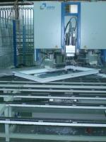 Зачистку углов осуществляет роботизированный станок