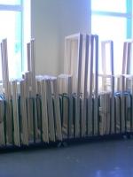 Рамы и сворки деревянных окон перед сборкой