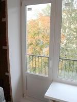 Установленная пластиковая дверь на балкон. г. Пушкин, бульвар Алексея Толстого.